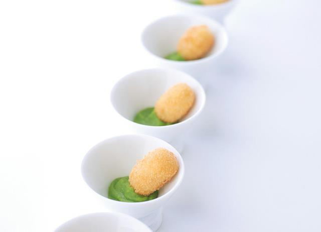 Smoked haddock croquettes with pea purée