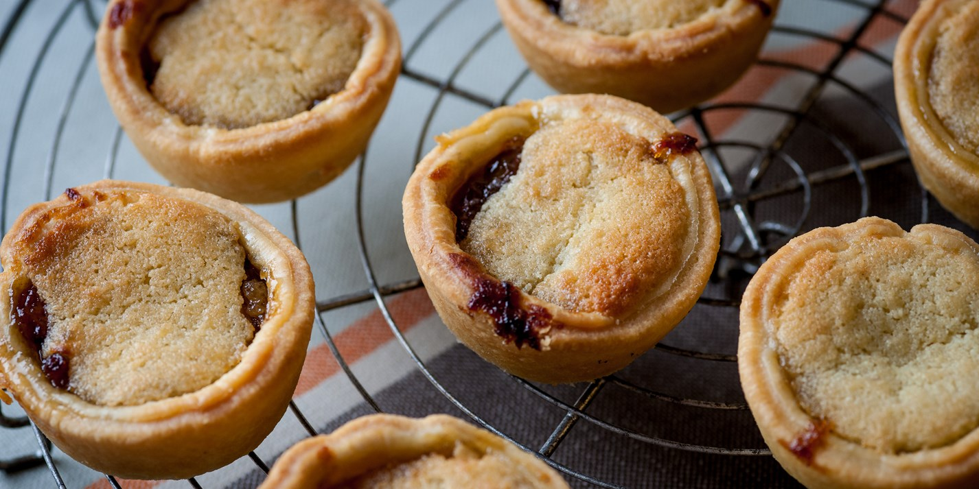 Mince pie recipe by marcus wareing great british chefs for English mincemeat recipe