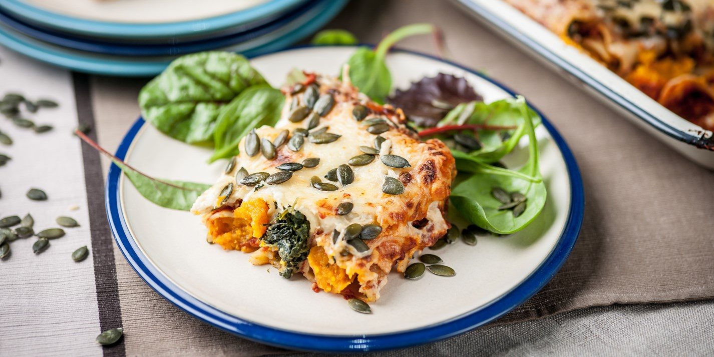 Cannelloni with spinach, pumpkin and nutmeg