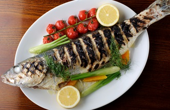 Grilled sea bass with fennel and dill