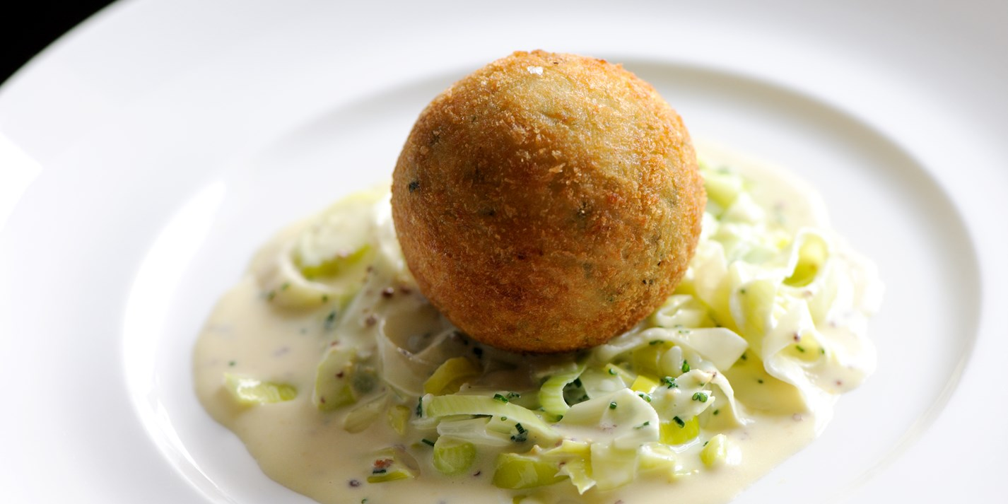 Smoked Haddock Fish Cake Recipe & Creamed Leeks - Great British Chefs