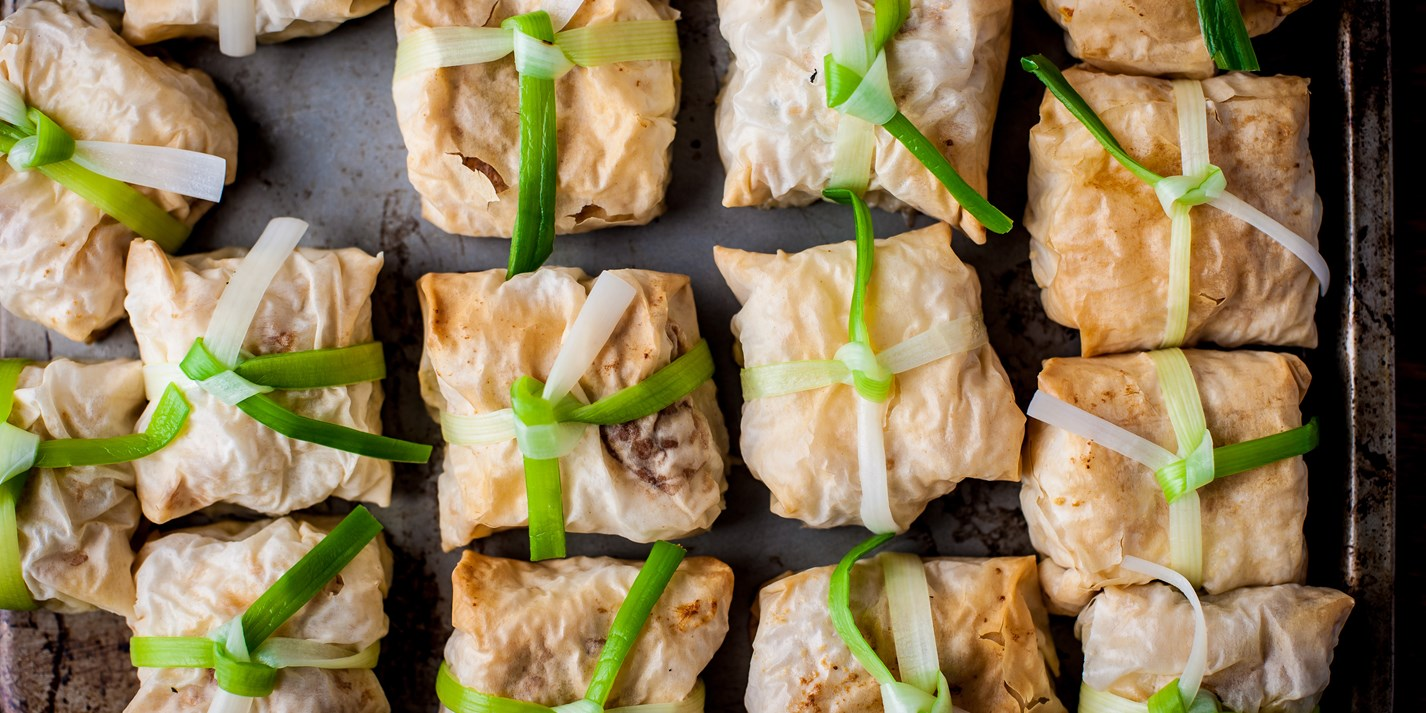 Crispy parcels with leek ribbons