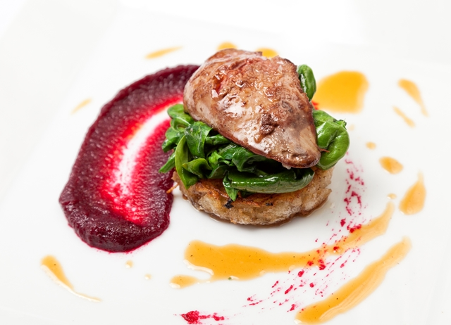 Sautéed chicken liver on potato rosti, spinach, young beetroot and bacon