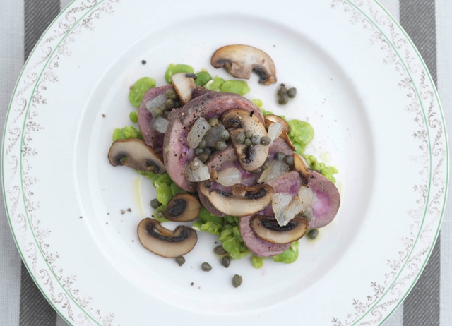 Lamb kidneys with crushed broad beans, lemon and capers