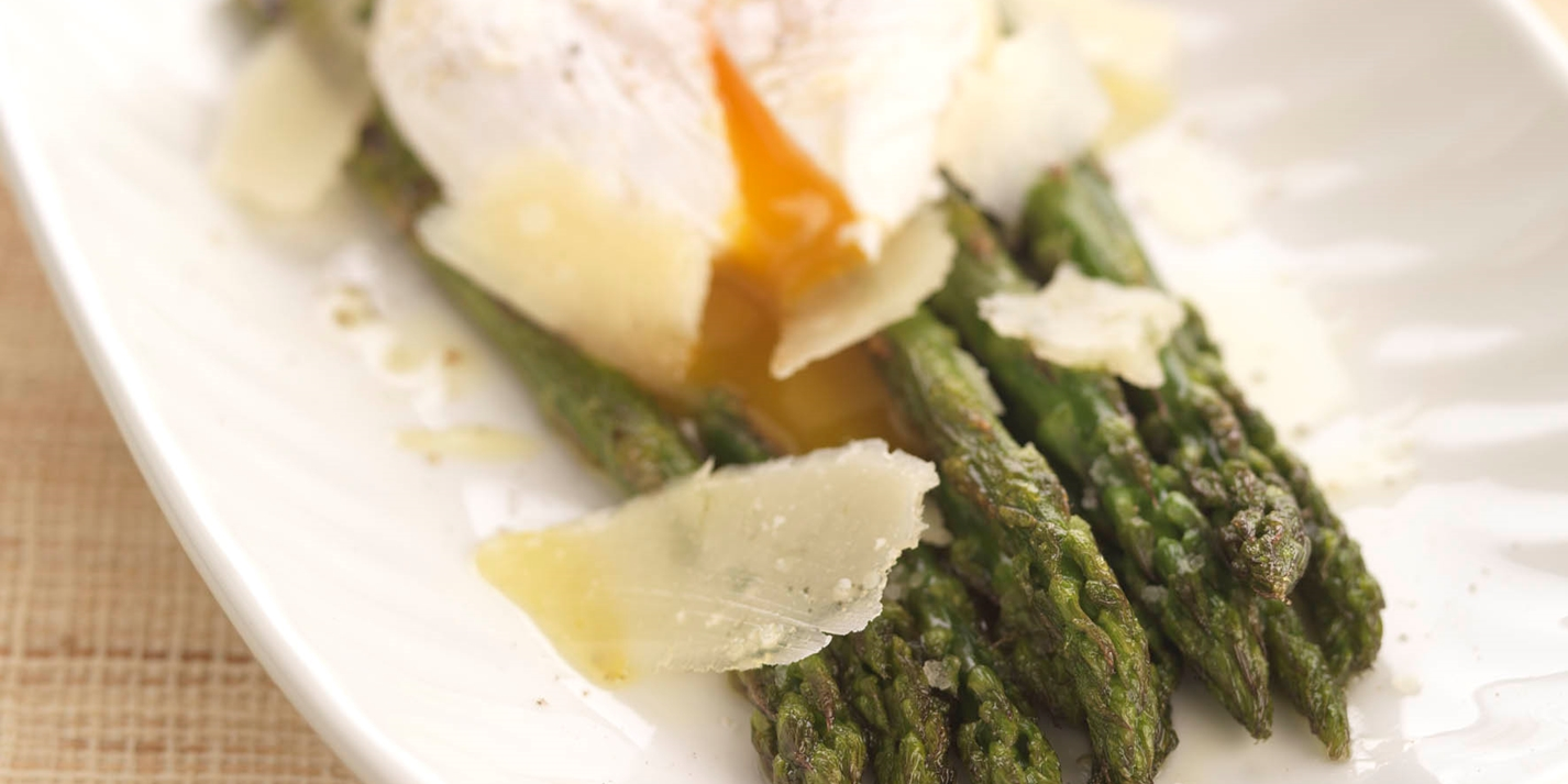 Grilled Asparagus Recipe With Poached Egg - Great British ...
