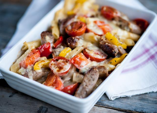 Grilled pasta with baby bangers and peppers