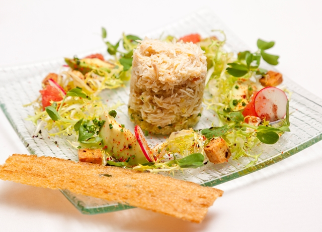 Crab salad with grapefruit