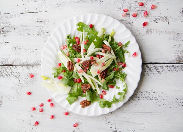 Rocket, pecan and pomegranate salad