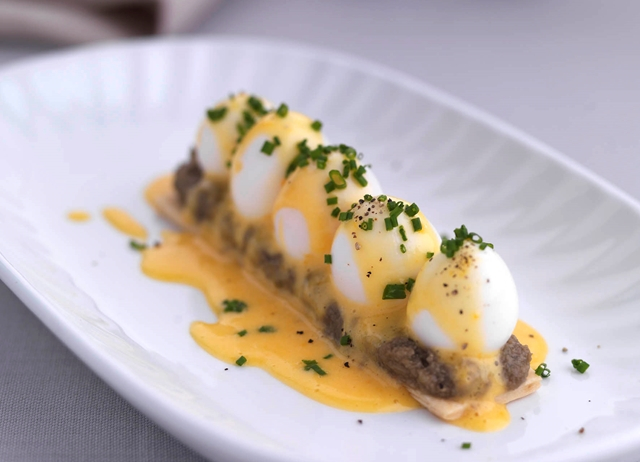 how to cook white asparagus with hollandaise sauce