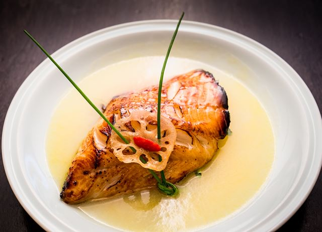 Roasted cod with champagne and honey
