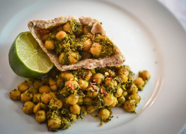Quick Chickpea & Spinach Curry Recipe - Great British Chefs