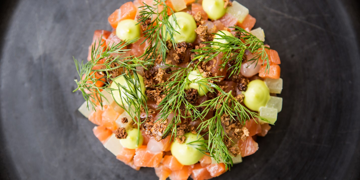 24 Hours Of Lemons >> Gin and Tonic Cured Salmon Recipe - Great British Chefs