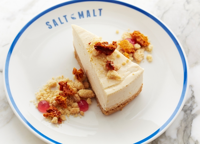 Chewy cheesecake and honeycomb crumble