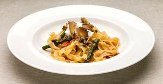 Aslan Murat, Turkey – Fettuccine with asparagus, tomatoes and truffled mascarpone