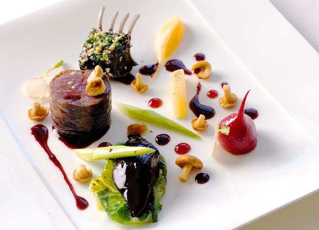 Preparation of hare with baby leeks and quince