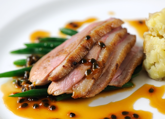 Recipes for duck breast in red wine sauce
